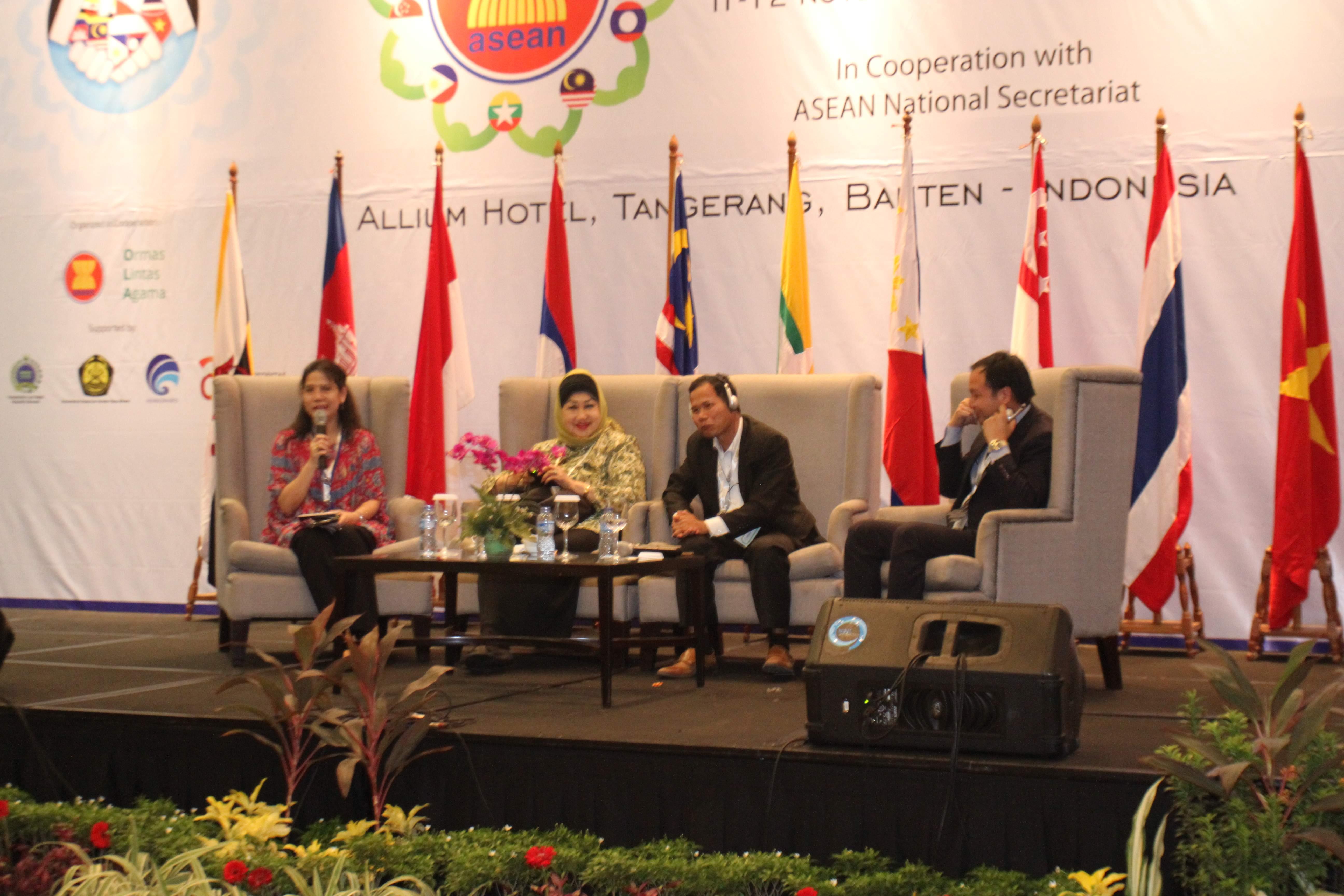 DELEGASI ASEAN SME 2015 : WUJUDKAN KEMITRAAN UMKM